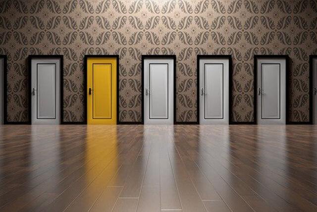 選び難いドア